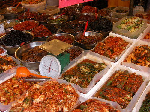 Foto: by martinroell, Seoul-Kimchi and banchan, CC BY-SA 2.0