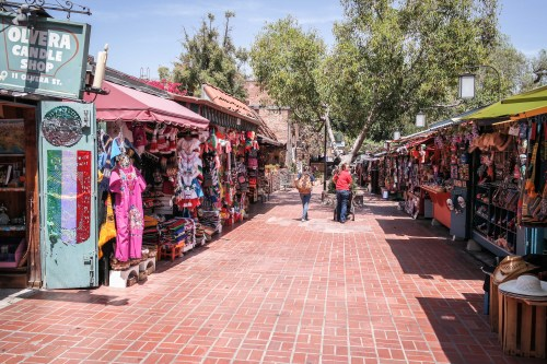 Foto: Visitor7, Olvera Street, Los Angeles-2, CC BY-SA 3.0